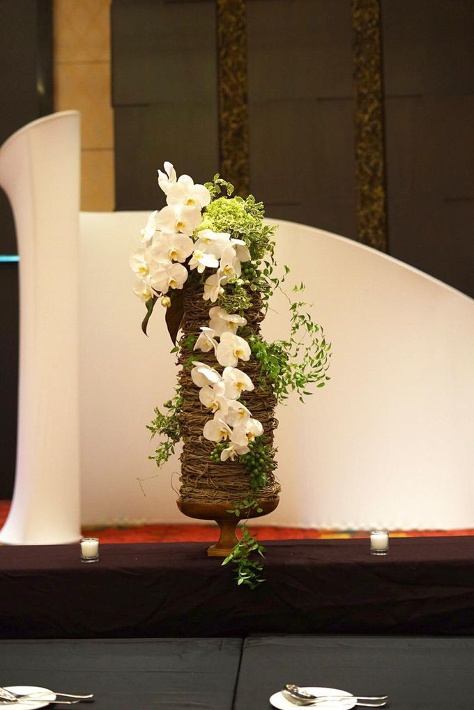 Balinese Floral Centrepieces by Make A Scene! Bali - 005