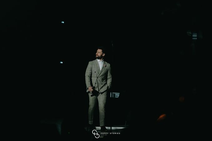 Guest Star: Calum Scott by Artist Booking - Full Color Entertainment  - 022