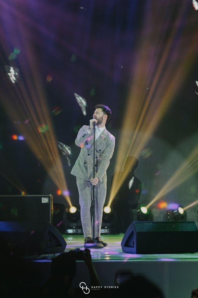Guest Star: Calum Scott by Artist Booking - Full Color Entertainment  - 026