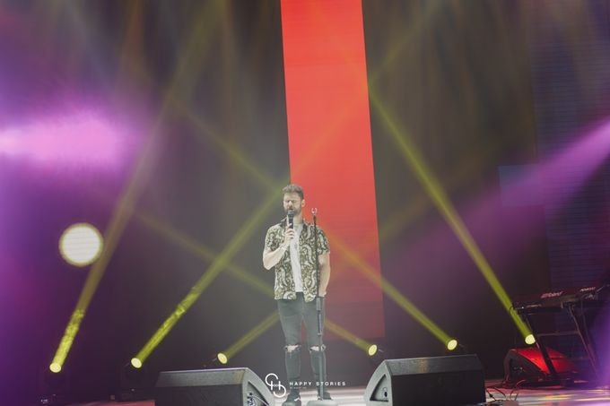Guest Star: Calum Scott by Artist Booking - Full Color Entertainment  - 006