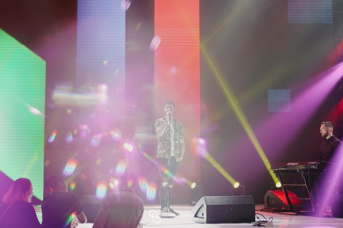 Guest Star: Calum Scott by Artist Booking - Full Color Entertainment  - 008