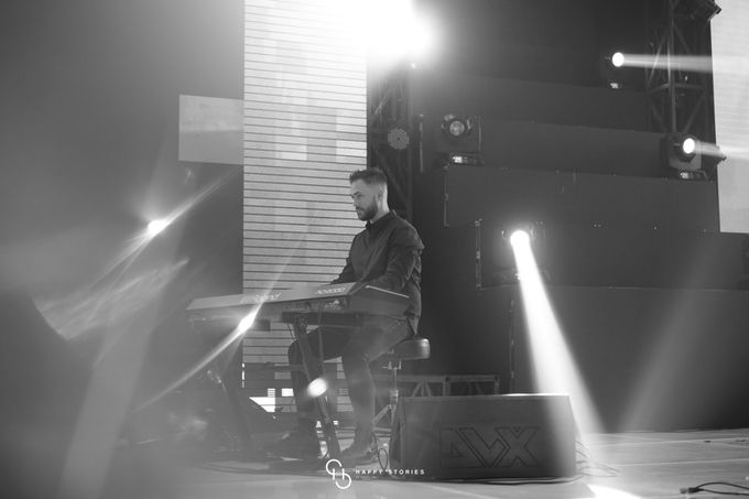 Guest Star: Calum Scott by Artist Booking - Full Color Entertainment  - 029