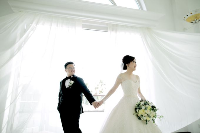 Revie & Widarti - Wedding Day by Wong Hang Distinguished Tailor - 021