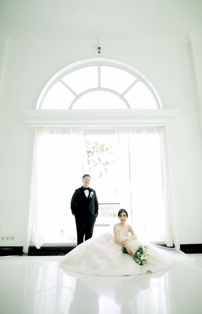 Revie & Widarti - Wedding Day by Wong Hang Distinguished Tailor - 022