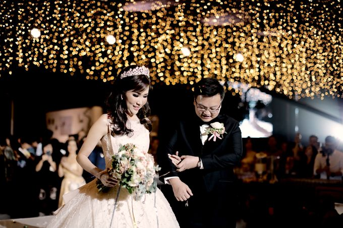 Revie & Widarti - Wedding Day by Wong Hang Distinguished Tailor - 023