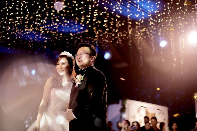 Revie & Widarti - Wedding Day by Wong Hang Distinguished Tailor - 035