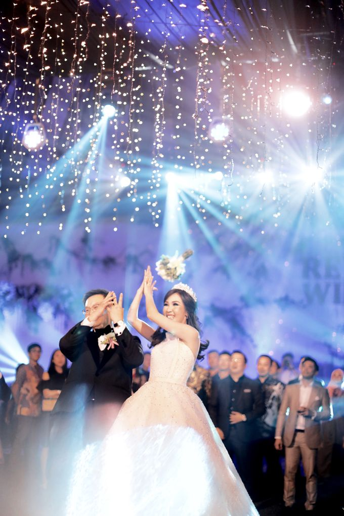Revie & Widarti - Wedding Day by Wong Hang Distinguished Tailor - 041