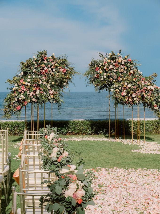 All-white Beach Wedding by IAMFLOWER - 001