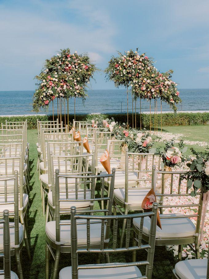All-white Beach Wedding by IAMFLOWER - 003