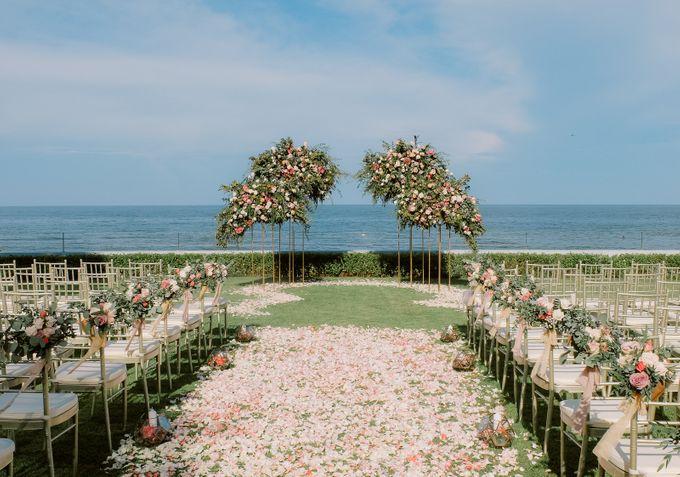 All-white Beach Wedding by IAMFLOWER - 004