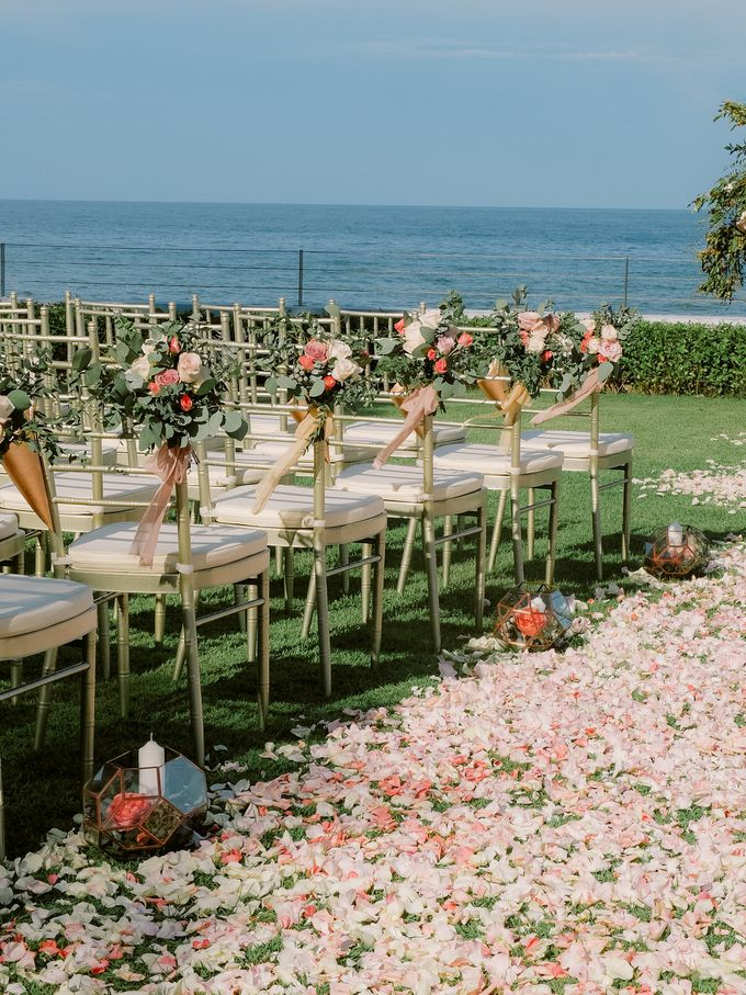 All-white Beach Wedding by IAMFLOWER - 008