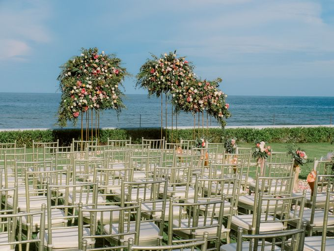 All-white Beach Wedding by IAMFLOWER - 009