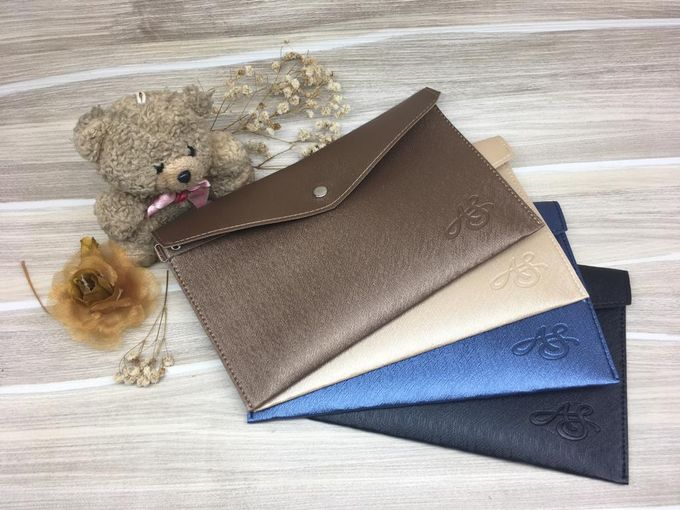 Leather & Synthetic  Pouch by Veddira Souvenir - 001