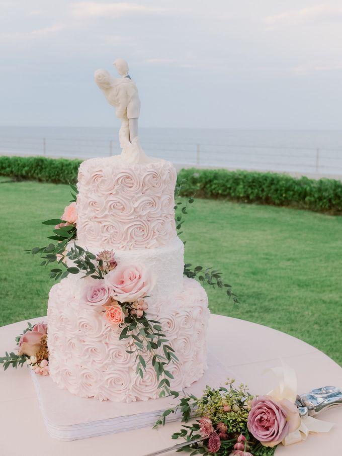 All-white Beach Wedding by IAMFLOWER - 019