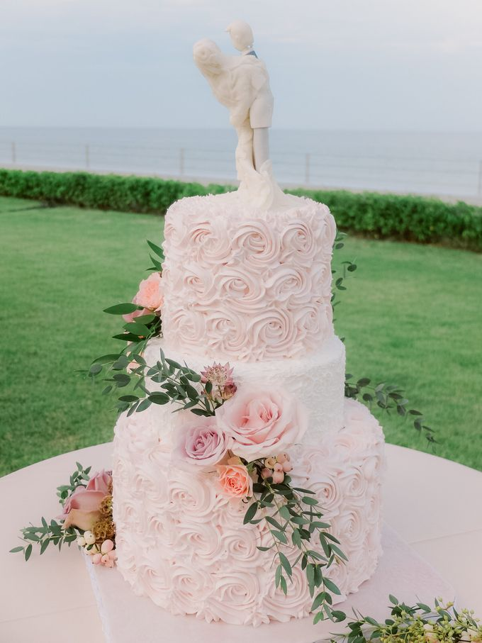 All-white Beach Wedding by IAMFLOWER - 020