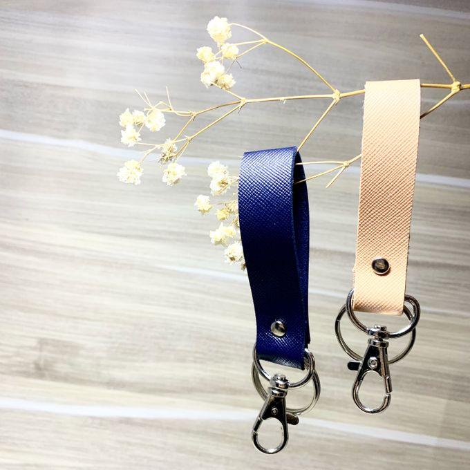 Key Chain by Veddira Souvenir - 006