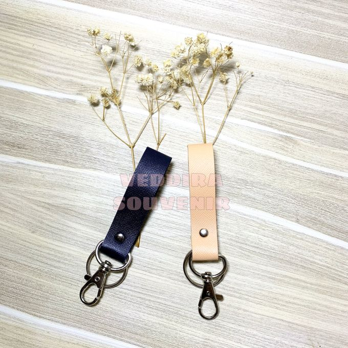 Key Chain by Veddira Souvenir - 007
