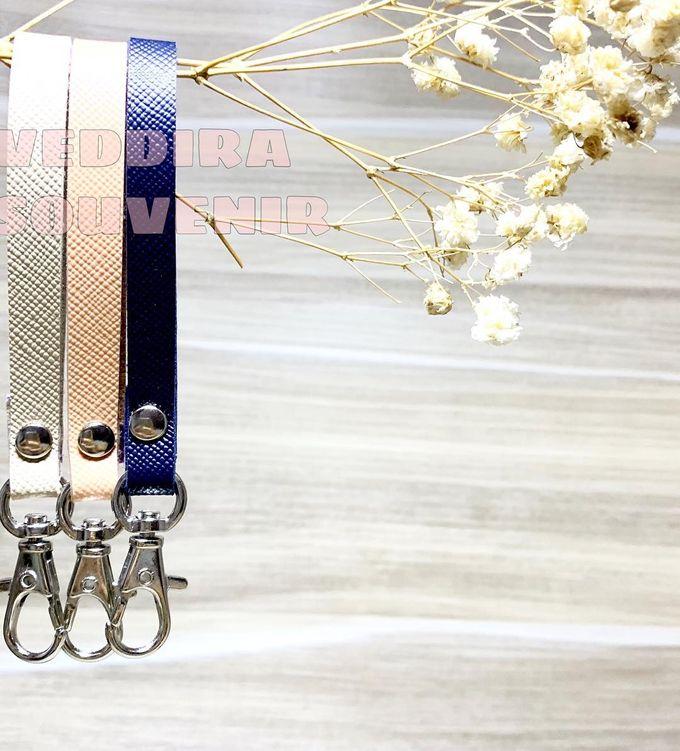 Key Chain by Veddira Souvenir - 008