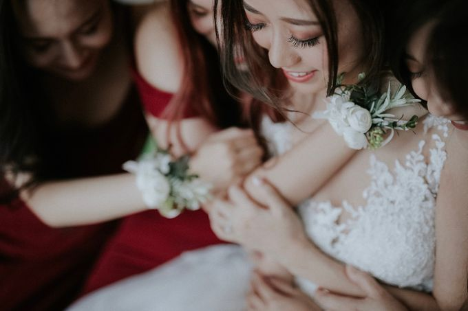 Amazing and beautiful wedding at CHIJMES by Pixioo Photography - 004
