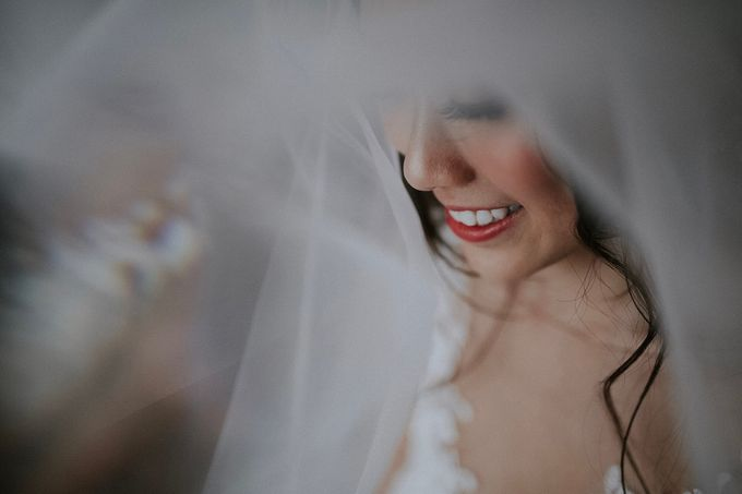 Amazing and beautiful wedding at CHIJMES by Pixioo Photography - 011