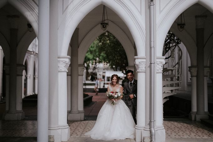 Amazing and beautiful wedding at CHIJMES by Pixioo Photography - 019