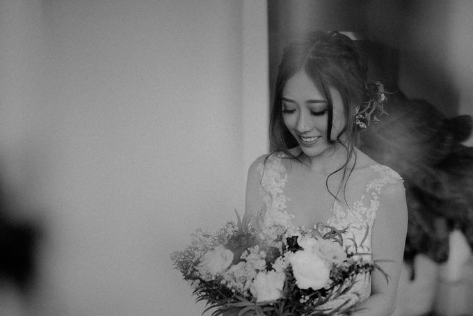 Amazing and beautiful wedding at CHIJMES by Pixioo Photography - 029