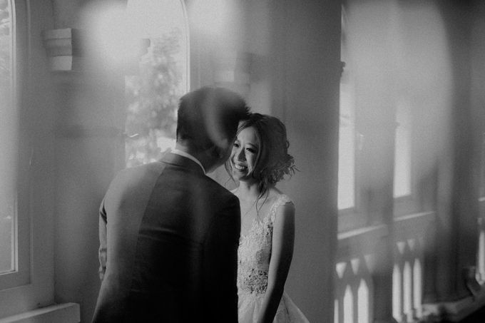 Amazing and beautiful wedding at CHIJMES by Pixioo Photography - 033