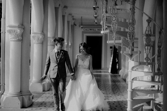 Amazing and beautiful wedding at CHIJMES by Pixioo Photography - 034