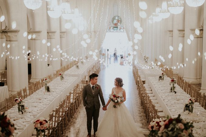 Amazing and beautiful wedding at CHIJMES by Pixioo Photography - 036