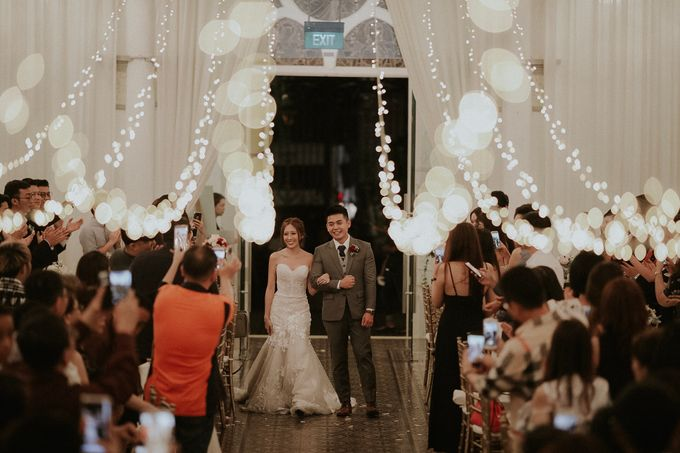 Amazing and beautiful wedding at CHIJMES by Pixioo Photography - 042