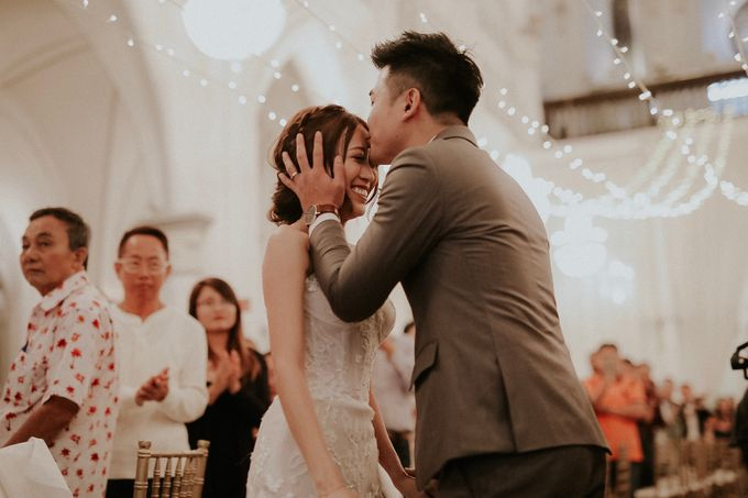 Amazing and beautiful wedding at CHIJMES by Pixioo Photography - 044