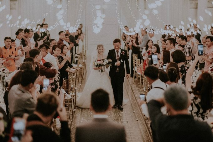 Amazing and beautiful wedding at CHIJMES by Pixioo Photography - 048