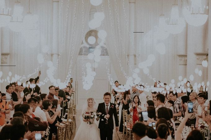 Amazing and beautiful wedding at CHIJMES by Pixioo Photography - 049