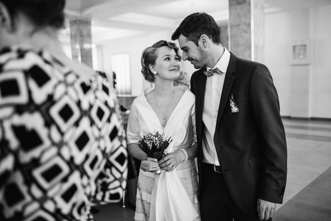Olga and Volker Rainy Day Wedding by Dasha Elfutina - 005