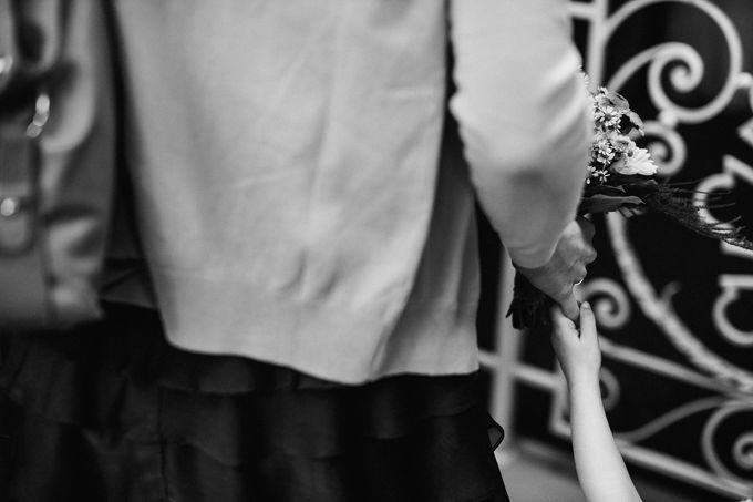 Olga and Volker Rainy Day Wedding by Dasha Elfutina - 008