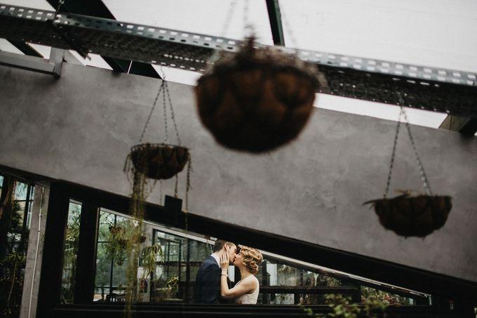 Olga and Volker Rainy Day Wedding by Dasha Elfutina - 016