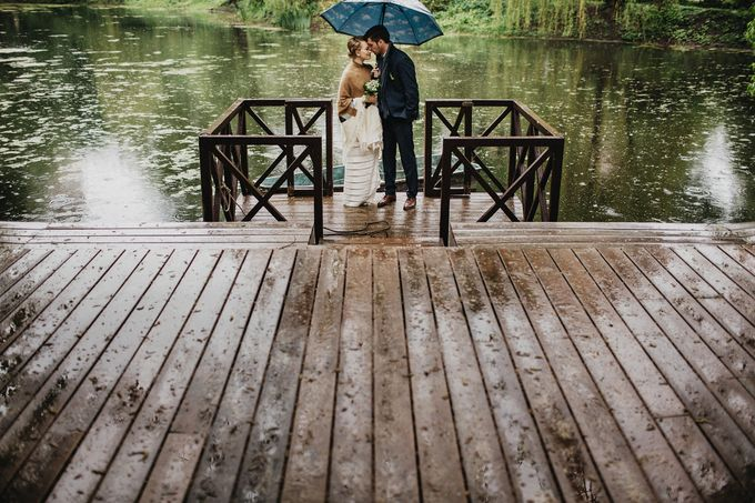 Olga and Volker Rainy Day Wedding by Dasha Elfutina - 025