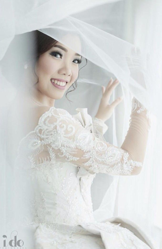 Wedding Gown for Mrs Ribka by Yes I Do Photographer - 004