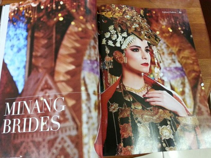 Minang Bride - Garuda Indonesia Inflight Magazines Spread by DES ISKANDAR - 001