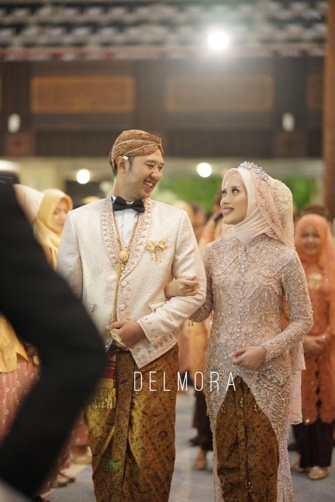 WEDDING PARTY KEBAYA MODERN / TRADISIONAL by DELMORA - 012
