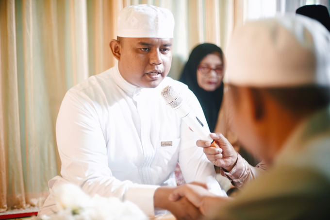 Widya + Angga - Javanese Fine-Art Wedding Session by Photolagi.id - 012