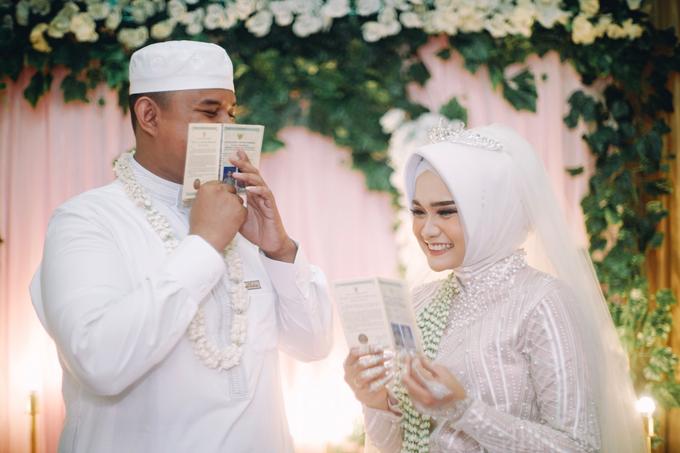 Widya + Angga - Javanese Fine-Art Wedding Session by Photolagi.id - 016