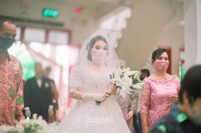 Amelia + Hendro - Holy Matrimony by Photolagi.id - 007