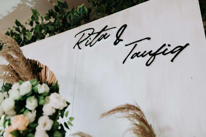 Akad Moment of  Taufiq & Rita by Photopholife_view - 019