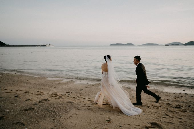 Phuket Beach Wedding of Lisa & William by Hipster Wedding - 009