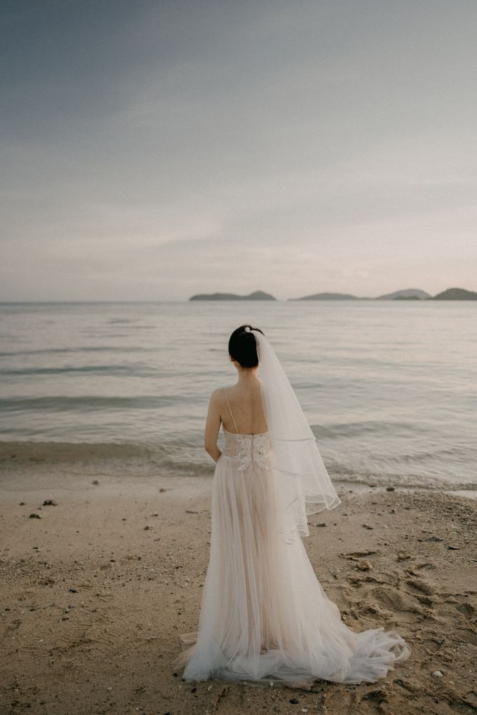 Phuket Beach Wedding of Lisa & William by Hipster Wedding - 012