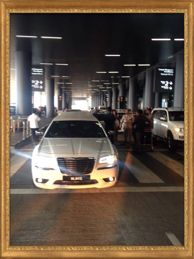 Wedding Car Rental - Chrysler 300 Limousine by Hyperlux Dolce Vita Sdn Bhd - 003