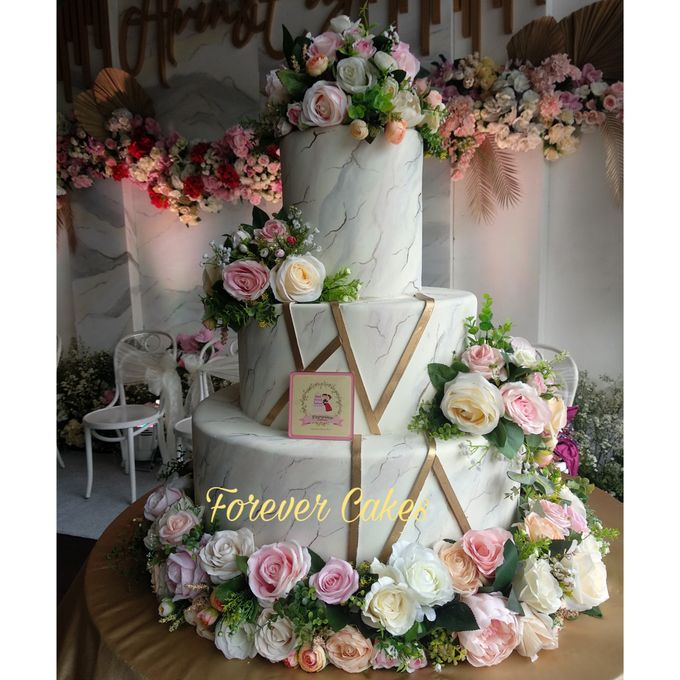 3-5 Tiers Wedding Cake With 70cm Round Base by FOREVER CAKE - 003