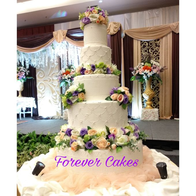 3-5 Tiers Wedding Cake With 70cm Round Base by FOREVER CAKE - 007