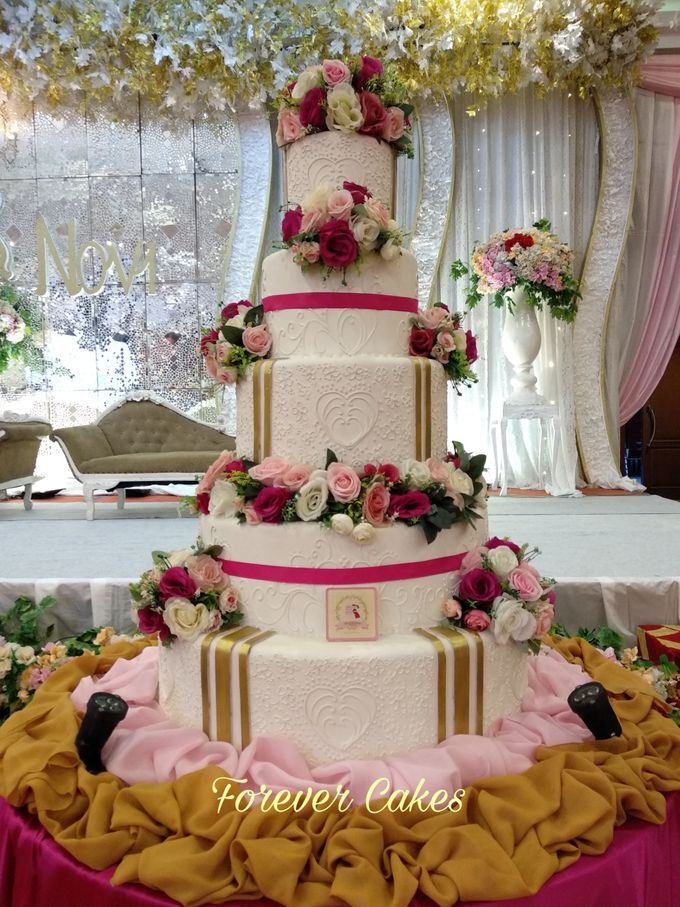 3-5 Tiers Wedding Cake With 70cm Round Base by FOREVER CAKE - 006